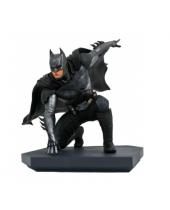 DC Gallery Injustice 2 PVC socha Batman 15 cm