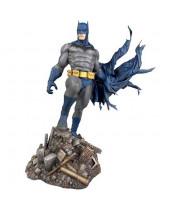 DC Gallery PVC socha Batman Defiant 25 cm